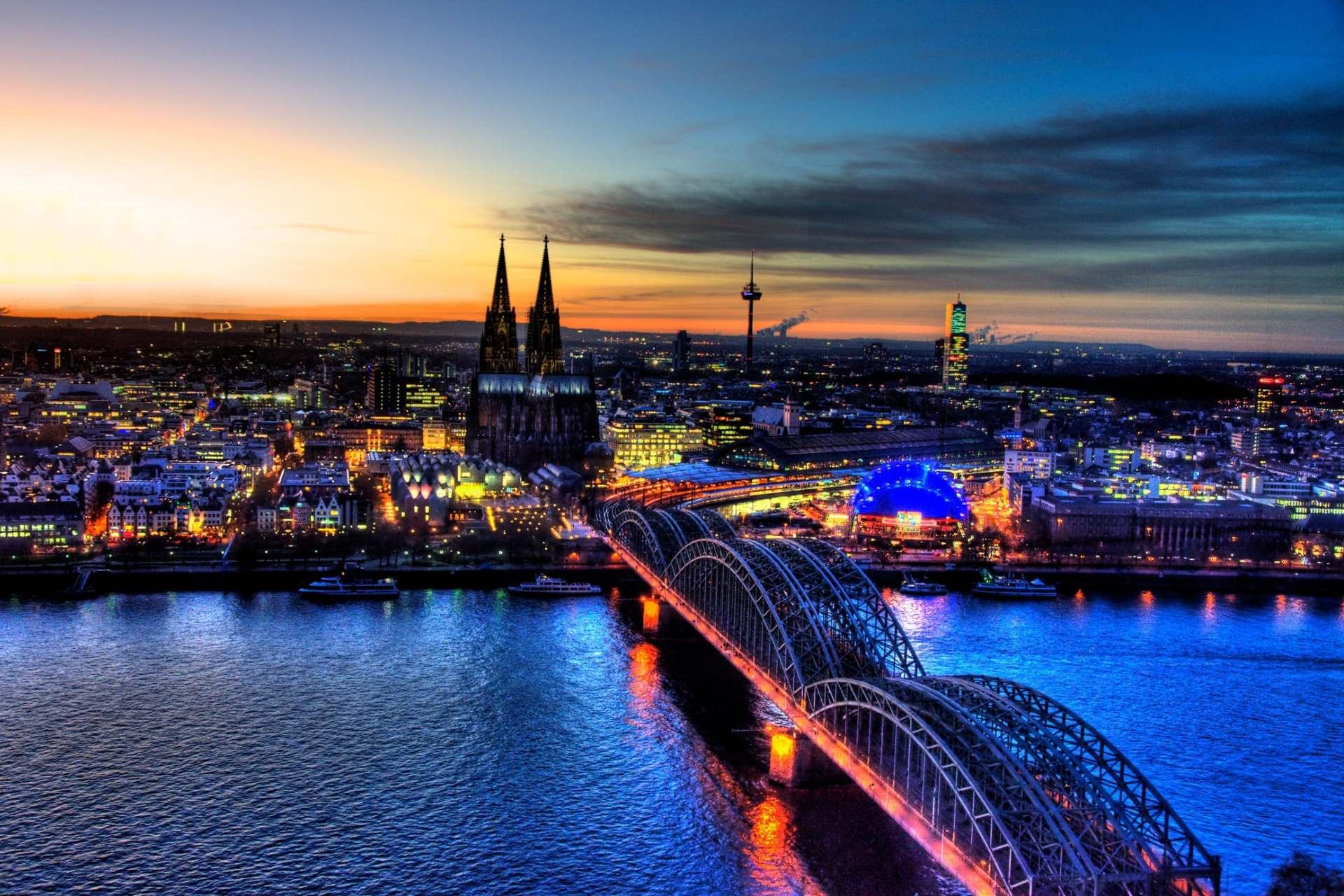 Blick auf Köln und der Bezirk, in dem wir täglich arbeiten.